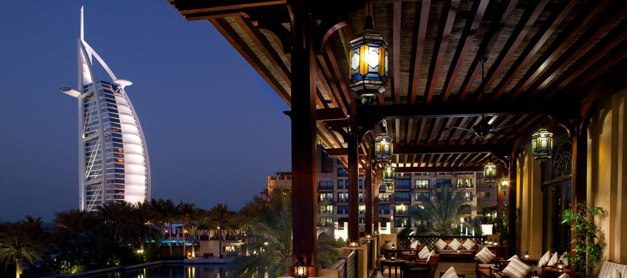 madinat-jumeirah-restaurants-bahri-bar-02-hero