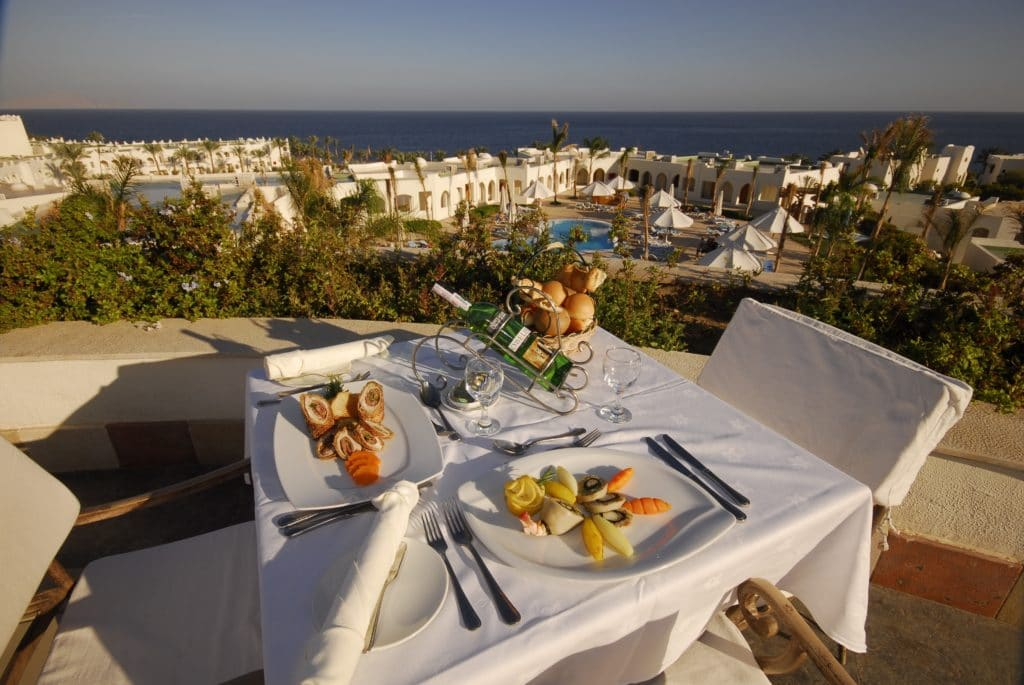 sunrise_select_diamond_beach_resort_restaurant_terrace