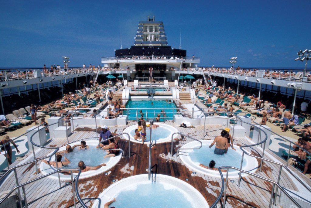 Cruise-ship-pools