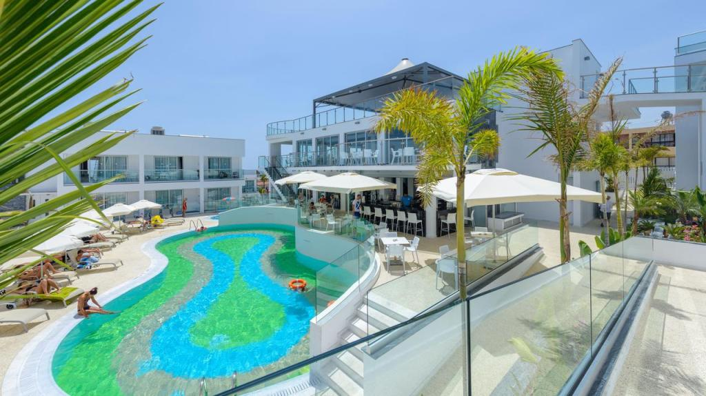 Cyprus-best-hotels-for-young